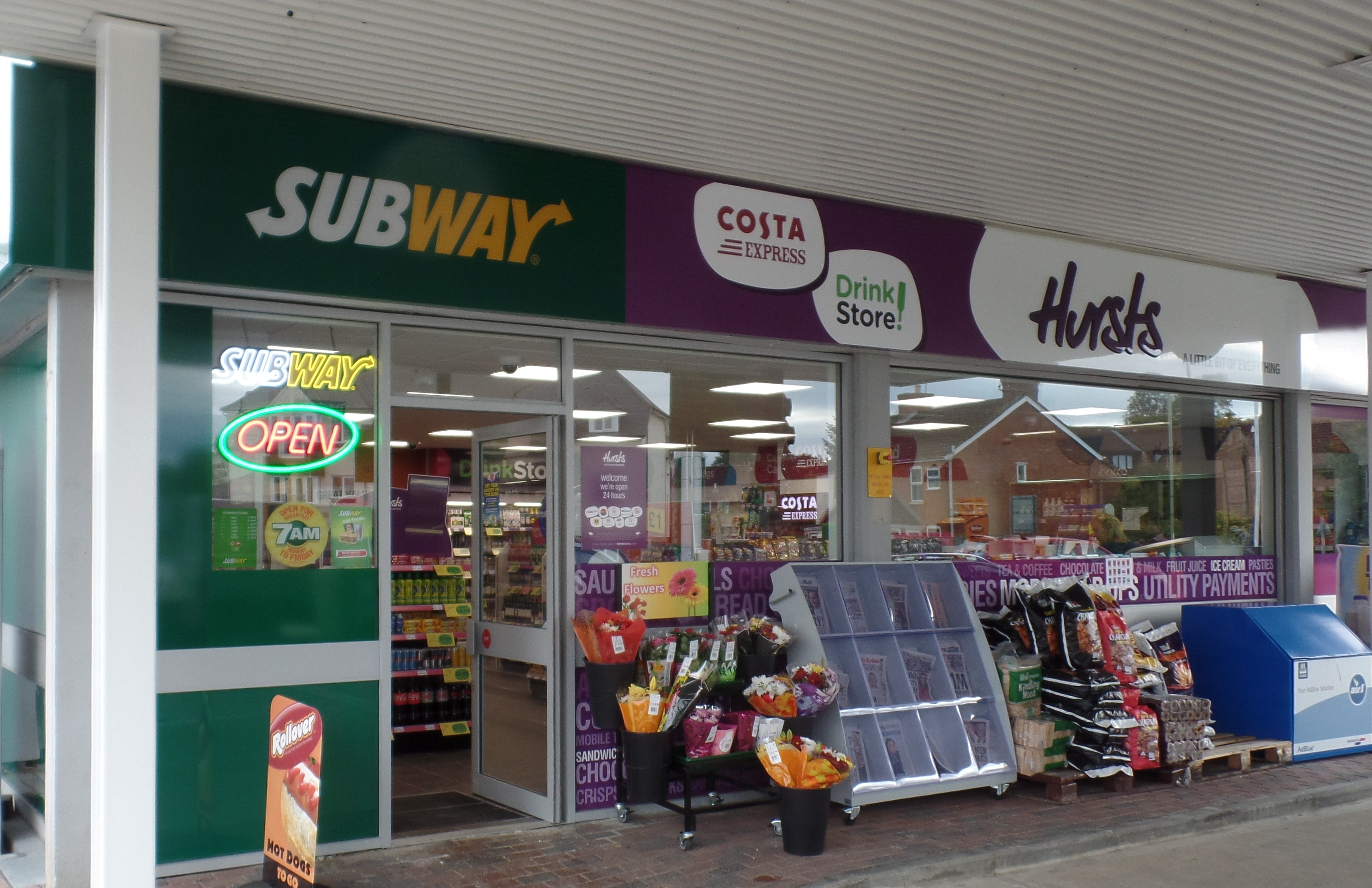 MRH Munros Corner Subway and Hursts shop
